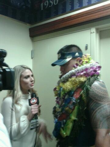 MTeo_5 Manti Te'o 22 Nov The best reporter ever @JustineBWard lol happy thanksgiving Justine! pic.twitter.com/oidWJeOb
