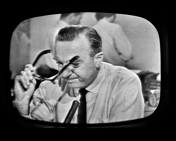 Walter Cronkite pauses as he announces the death of the President