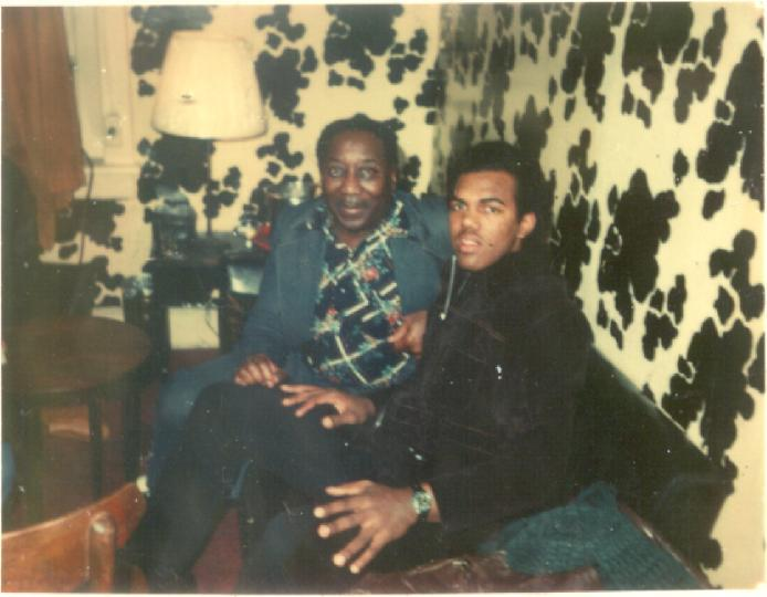 Daryl Davis with the legendary blues musician Muddy Waters