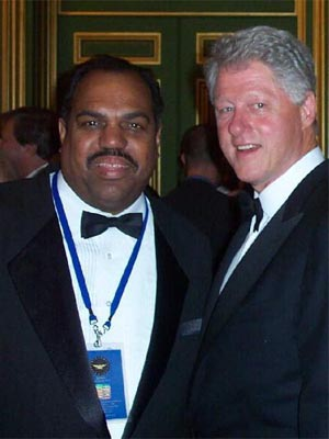 Daryl Davis with Bill Clinton