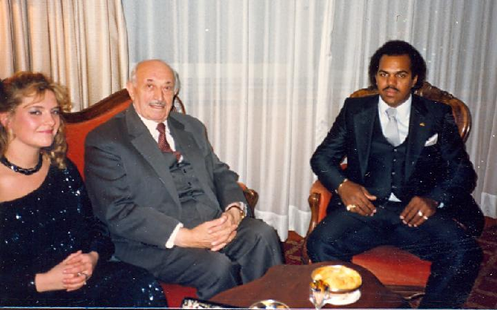 Davis with Simon Wiesenthal